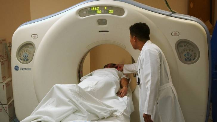 ct scan machine in use