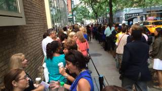 people in line to receive the flu shot